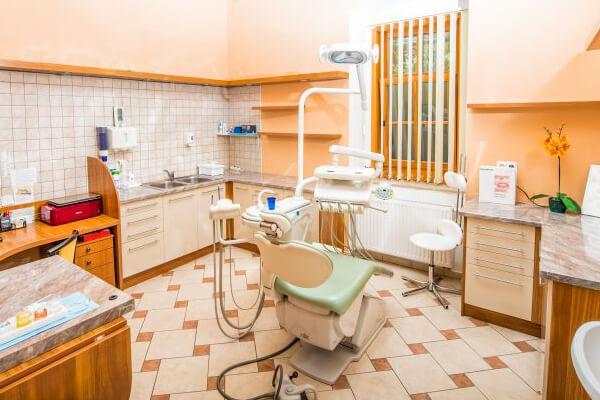 Zahnarztpraxis Graben Dent in Sopron